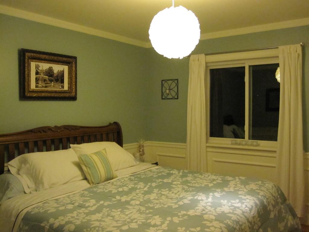 cloud-pendant-in-guest-room