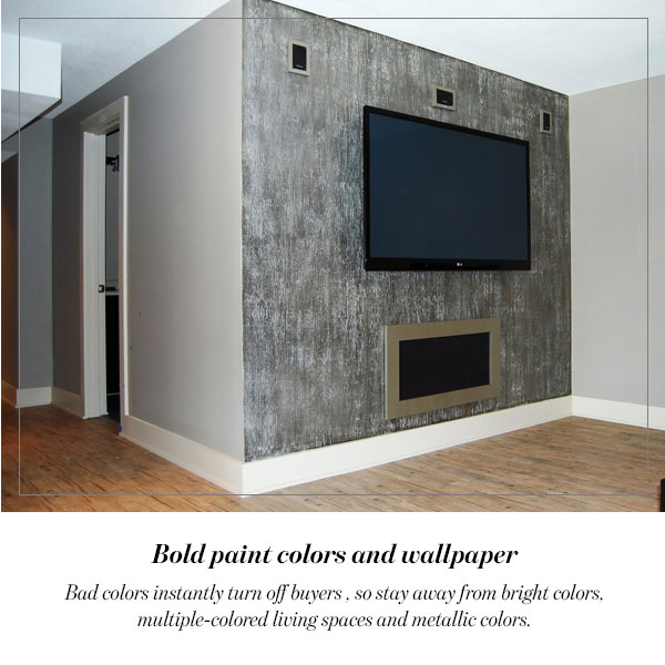 Bold paint colors and wallpaper