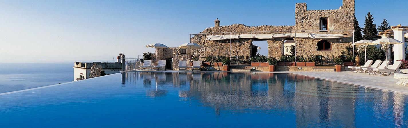 تصميمات فريدة: أكثر حمامات السباحة تميزاً حول العالم