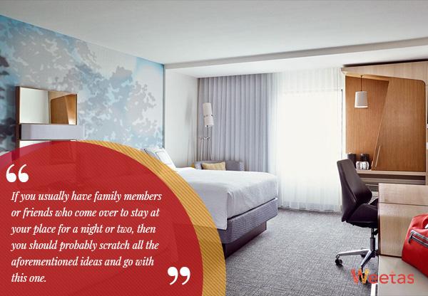 6) Guest Room:
