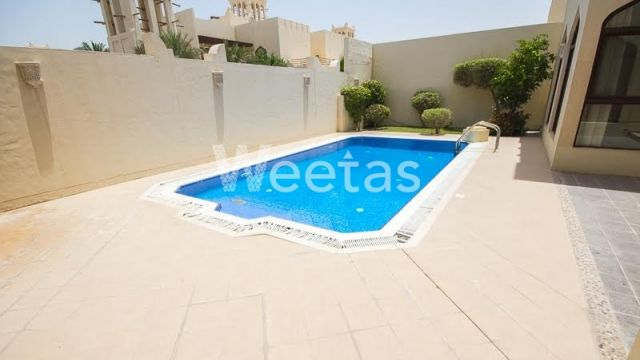 private swomming pool