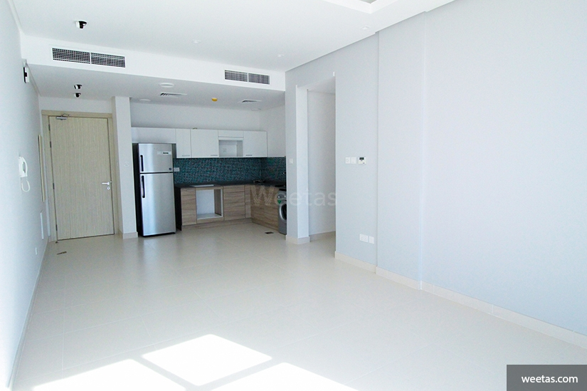 Semi furnished apartment in Seef